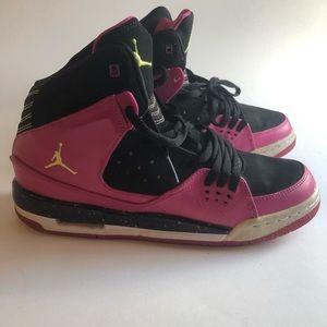 #A16 Youth Jordan Sz 7Y